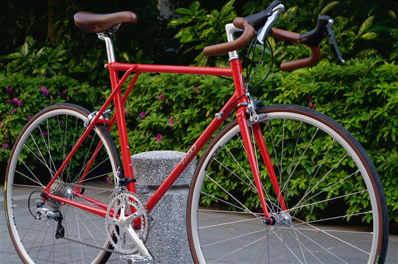 E.B.S FLOAT 700 Road / RED shimano105