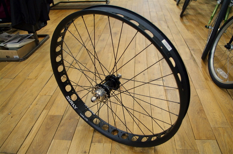 SURLY MARGE LITE  +  CHRIS KING ISO SINGLE SPEED DISC HUB