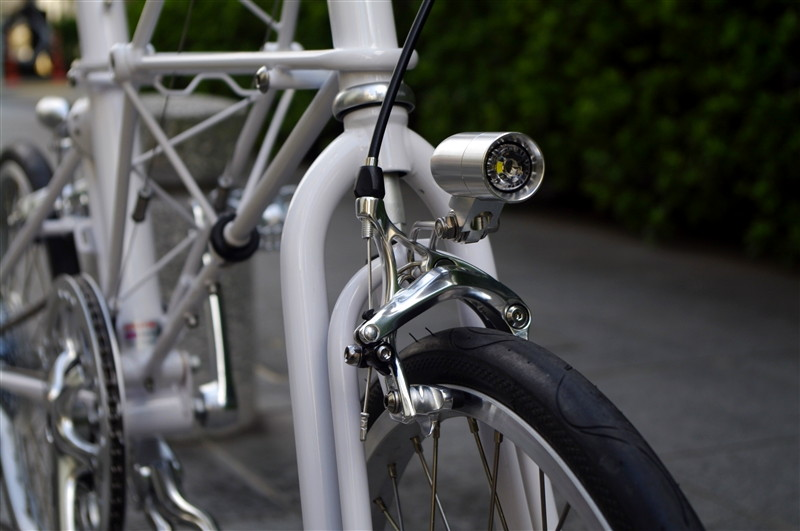 moulton_tsr9_white_custom[13]