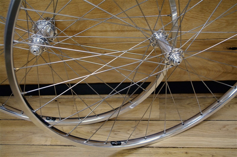 wheel / whiteindustries T11 HUB & H+son the box  RIM