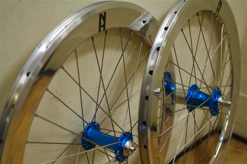 WHEEL / CHRISKING R45 TURQISE HUB & SILVER Campagnolo + H+son 20inch