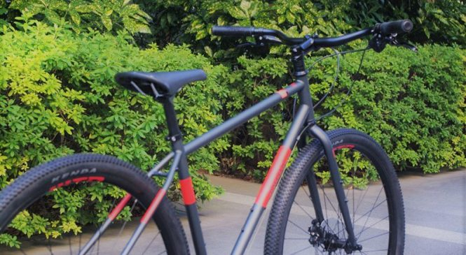 カッコいいクロスバイクならbreezerって選択肢もあるんですよ