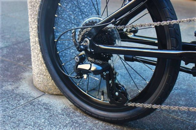 dahonの折り畳み自転車dashp8の完成車