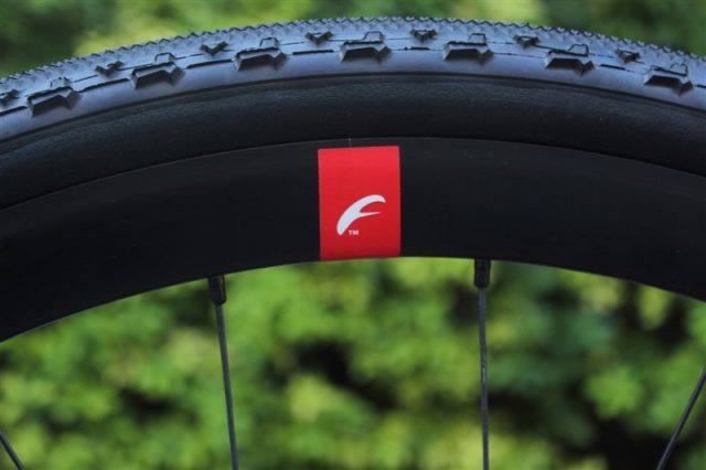 ibisのカーボングラベルバイクhakkaの完成車