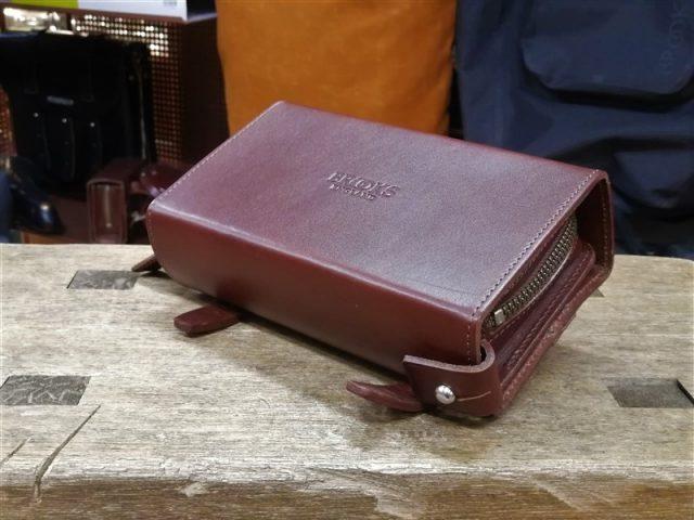 英国製本革製品brooksのサドルやバッグ
