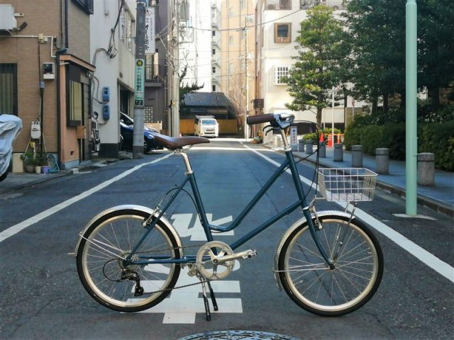 日本製のクロモリフレームe.b.sのミニベロleaf51の完成車