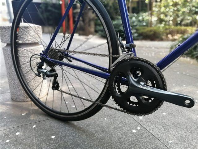 日本製ハンドメイドフレームe.b.sのクロスバイクstuffのドロップハンドル完成車