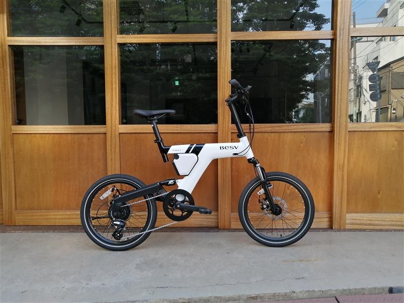 デザイン性の高いe-bikeブランドbesvのミニベロpsa-1
